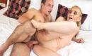 Porno in deutsch -   - Sexy Amateurluder wird im Schlafzimmer unbarmherzig durchgebumst