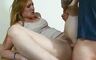 Porno Clip   - Privates XXX Video mit enger Hobbyhure